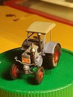 German Tractor D8506 in 1:35 von MiniArt 39824356zn